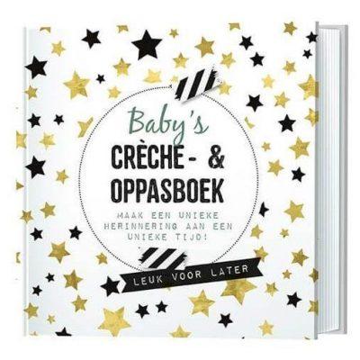 Invulboek Baby's creche- en oppasboek - maak een unieke herinnering aan een unieke tijd! - invulboekjes.nl