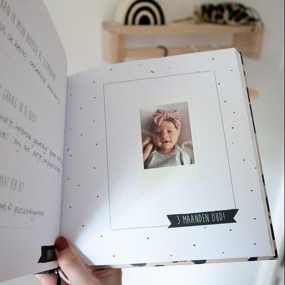 KIDOOZ Invulboek 'Mijn eerste jaar' – 3 maand oud - invulboekjes.nl