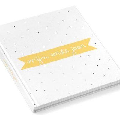 KIDOOZ Invulboek 'Mijn eerste jaar' - Oker - voorkant - invulboekjes.nl