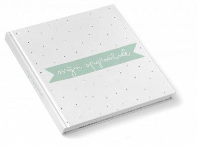 KIDOOZ Invulboek 'Mijn opgroeiboek' - Mint - voorkant - invulboekjes.nl