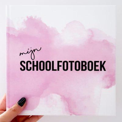 Studio DEMICO Mijn schoolfotoboek - Roze - voorkant - invulboekjes.nl