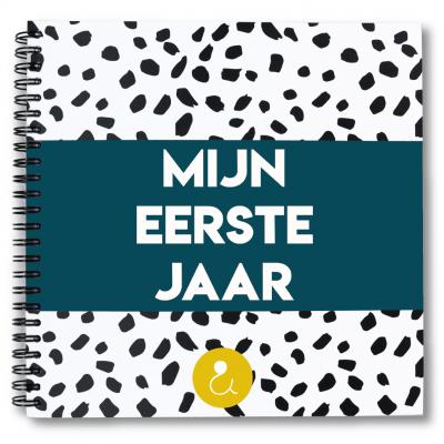 Studio Ins & Outs Babyboek 'Mijn eerste jaar' – Donkerblauw Babyboek