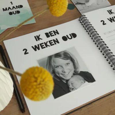 Studio Ins & Outs Babyboek 'Mijn eerste jaar' - binnenkant - invulboekjes.nl