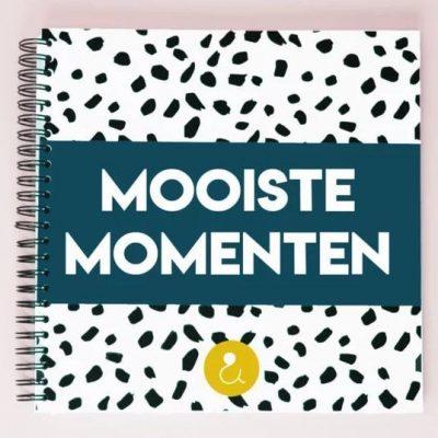 Studio Ins & Outs 'Mooiste momenten' - Donkerblauw - voorkant - invulboekjes.nl