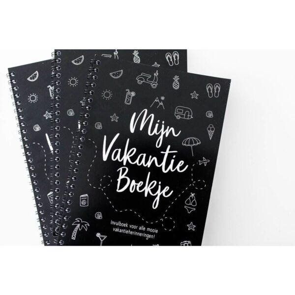 Zoedt Mijn vakantie boekje - Zwart - sfeerfoto - invulboekjes.nl