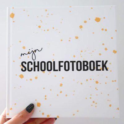 Studio DEMICO Mijn schoolfotoboek - Oker - voorkant - invulboekjes.nl