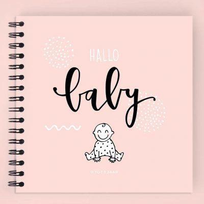 Atelier Pix - Hallo baby - Eerste jaar boek - Geel - voorkant roze - invulboekjes.nl