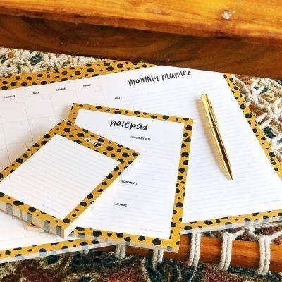 Studio Stationery Notitieblok Monthly planner A3 -sfeerfoto- invulboekjes.nl