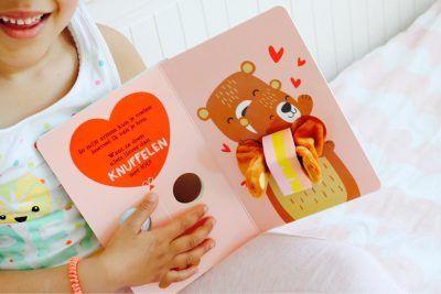 Knuffel me kleine olifant Baby- & Peuterboeken
