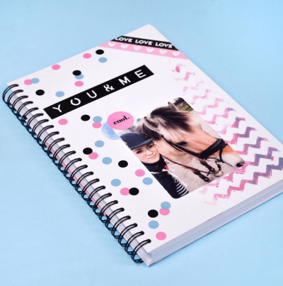 Studio Ins & Outs 'Mooiste momenten' A5 – Roze Blanco boek