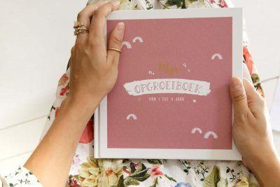 Maan Amsterdam – Mijn opgroeiboek – Roze Opgroeiboek