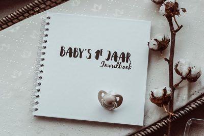 SilliBeads Baby's eerste jaar invulboek – Zwart-wit Babyboek