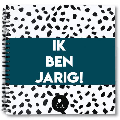 Studio Ins & Outs Verjaardagsboek Donkerblauw Cadeauboeken