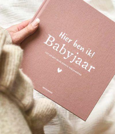 Pink Peach Mijn babyjaar invulboek – Linnen Roze/rood Babyboek met linnen cover
